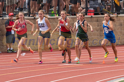 3200 Girls Gallery 2 - 2021 MHSAA LP T&F Finals - DIVISION ONE