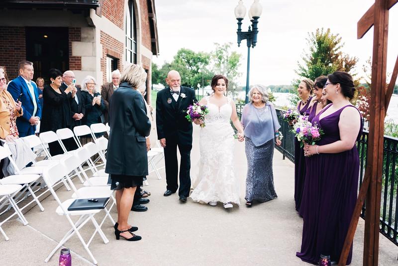 chateau-on-the-river-trenton-michigan-wedding-0252.jpg