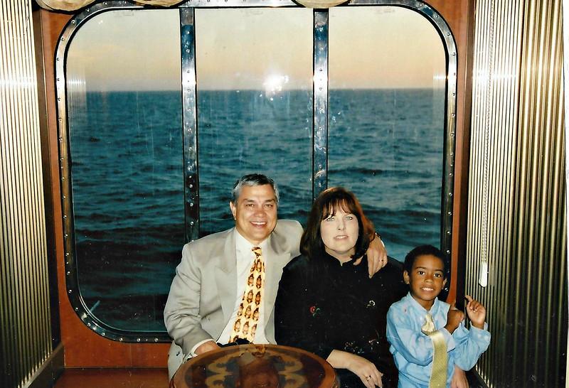 Noah.Grandma.Grandpa,Cruise.jpg