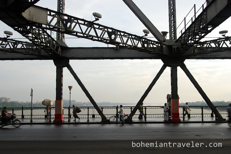 on Howrah Bridge.jpg