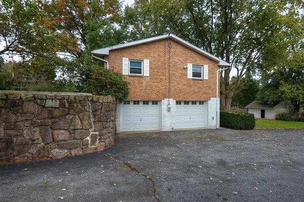 1029 E Cedarville Rd, Pottstown, PA