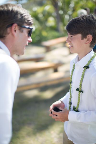 gillin beach kauai wedding-50.jpg