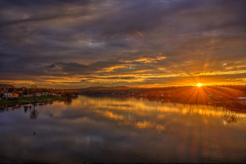 Marrietta-Ohio-River-Sunset7-Beechnut-Photos-rjduff.jpg