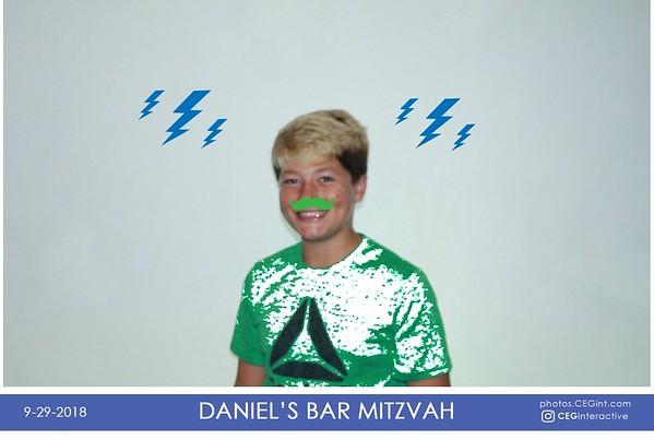2018-09-29 Daniel's Bar Mitzvah Photo Graffiti Wall