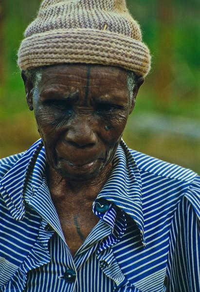 Toppluekledd alderdom i Senga Hill  Woollen cap dressed old age at Senga Hill (Foto: Ståle)
