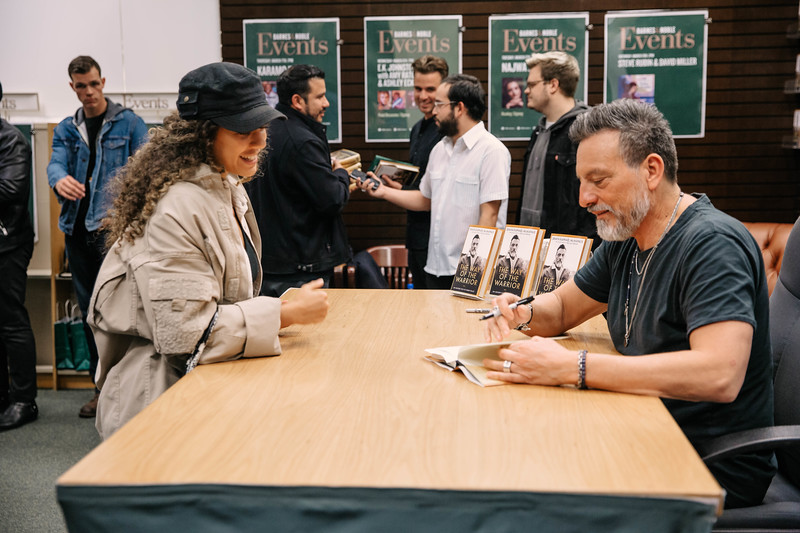 2019_2_28_TWOTW_BookSigning_SP_438.jpg