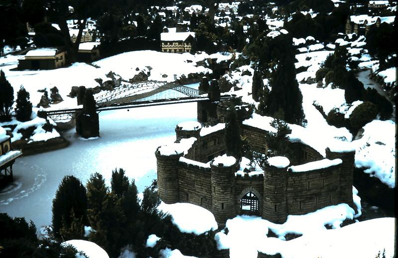 1960-1-17 (9) Model Village @ Beaconsfield, England.JPG