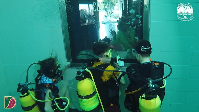 Expedition Pufferfish Day 4.00_55_30_13.Still103.jpg