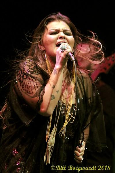 Crystal Shawanda at FP 400.jpg