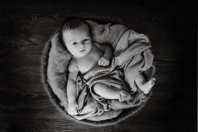 Laura & Lewis Newborn Photoshoot