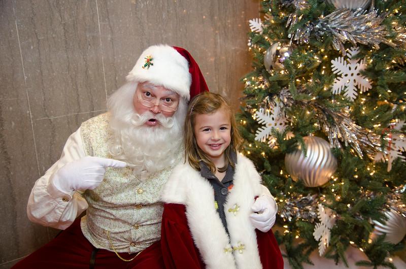 Santa at Grove_74.JPG