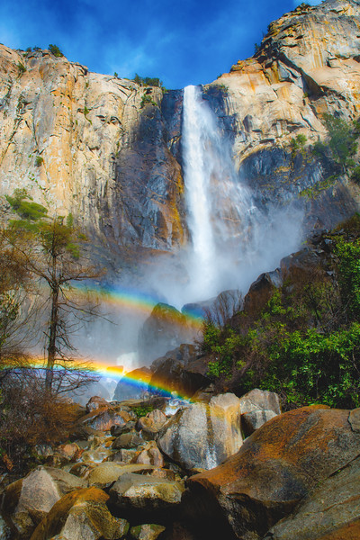 Bridalveil rainbow 2 lg.jpg