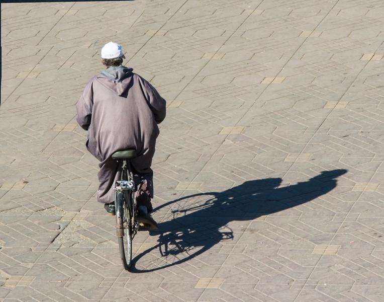 MarrakechManOnBikeDSC_9495.jpg