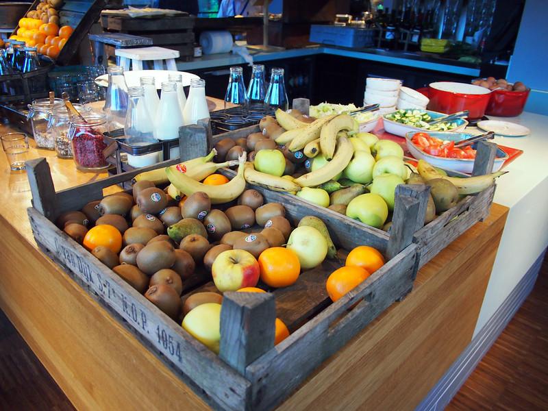 PA073370-fruit-crate.JPG