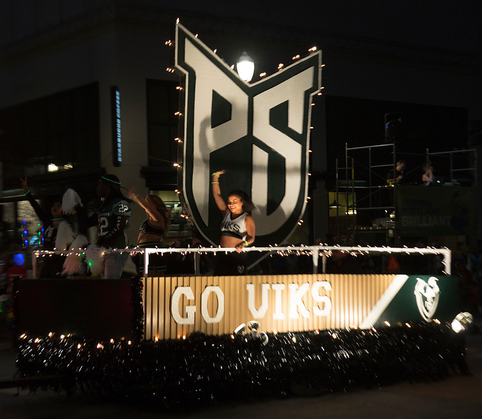 The Portland State Vikings float