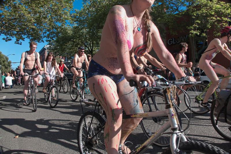 Nude Bike Ride (33).JPG