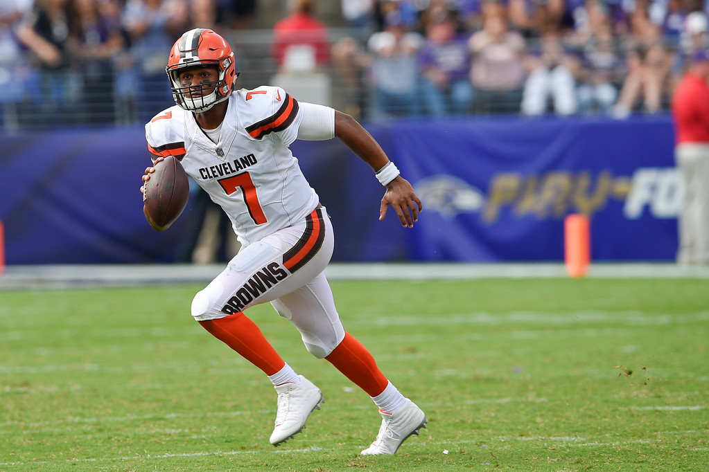 . Cleveland Browns quarterback DeShone Kizer (7) scrambles with the ball during the second half of an NFL football game against the Baltimore Ravens in Baltimore, Sunday, Sept. 17, 2017. The Ravens defeated the Browns 24-10. (AP Photo/Nick Wass)