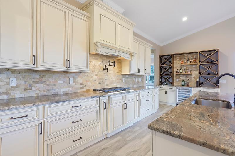 Kitchen1IMG_7010.jpg
