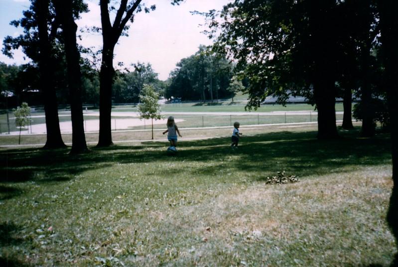 1985_Summer_Norfolk_Greg_and_Summer_Lisle_Pics_0014_a.jpg