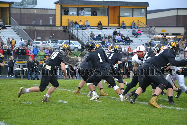 10-8 CrestonOM-Winterset football
