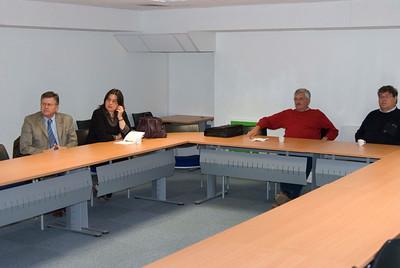 Gestudeerd wordt er op zo'n studie reis, hier uitleg over de cooperatie Cohesis in Reims