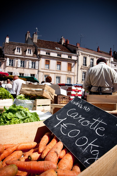 Farm market in Beaune