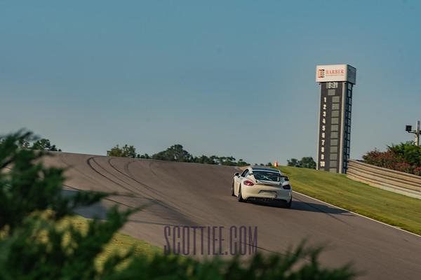GT4 Cayman White #73