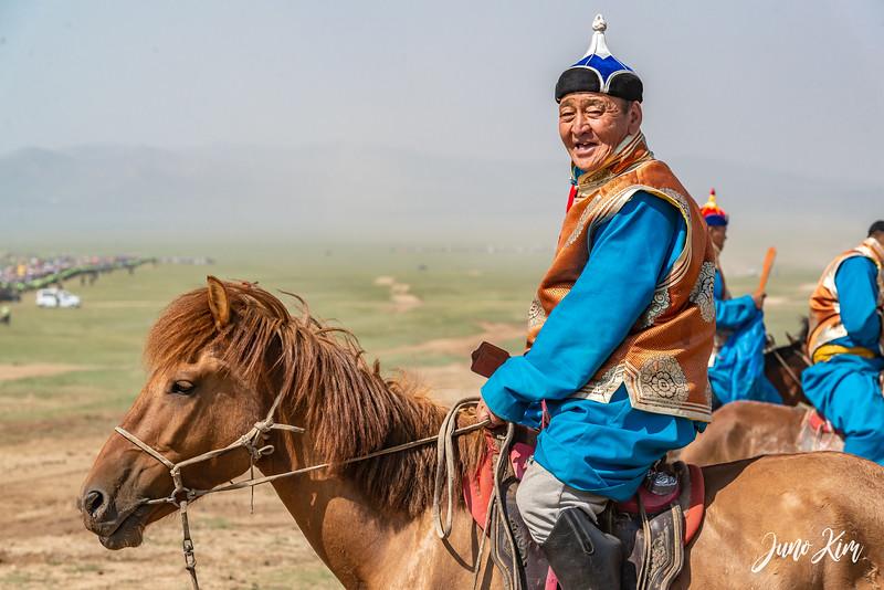 Horse racing__6109021-Juno Kim.jpg