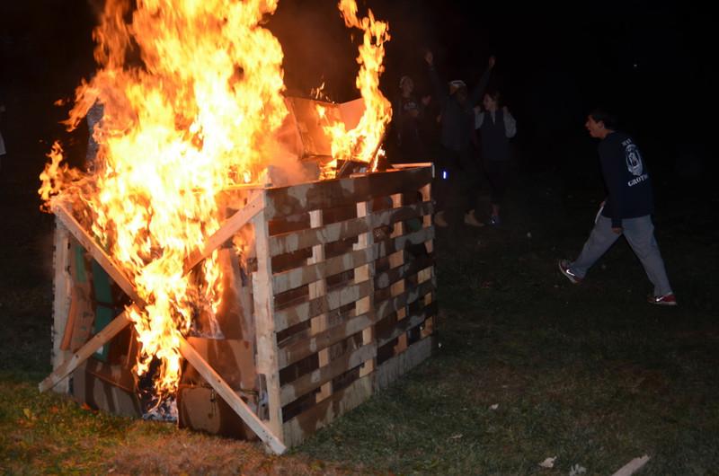 StMS Bonfire # 2 002.jpg