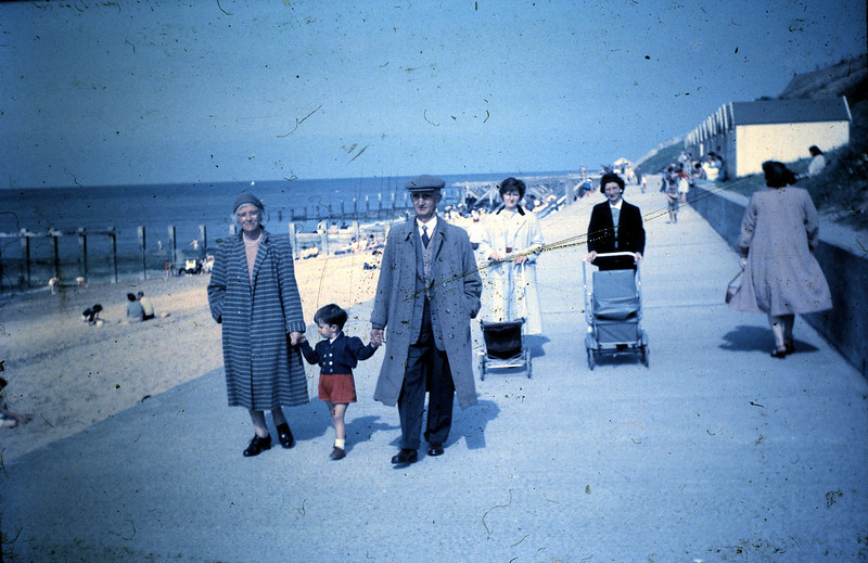 027 Mum, Stephen, Dad, Alice and June.JPG