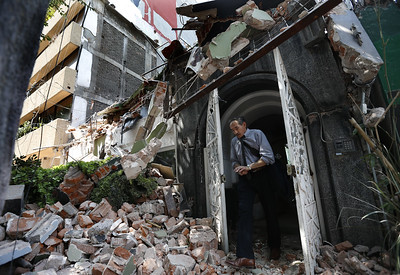 first-responders-work-on-removing-the-rubble-of-a-collapsed-building-looking-for-survivors-trapped-underneath-after-a-71-earthquake-in-mexico-city-tuesday-sept-19-2017-the-earthquake-stunned