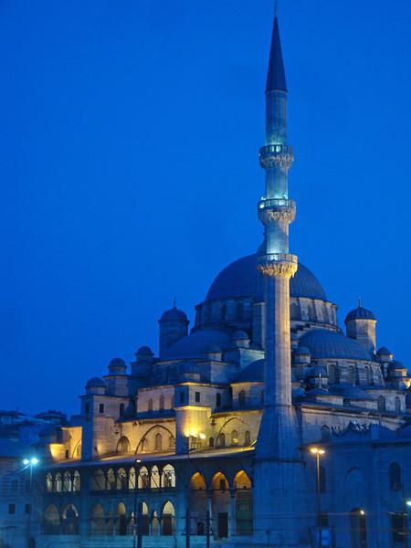 Yeni Mosque night cooler.jpg