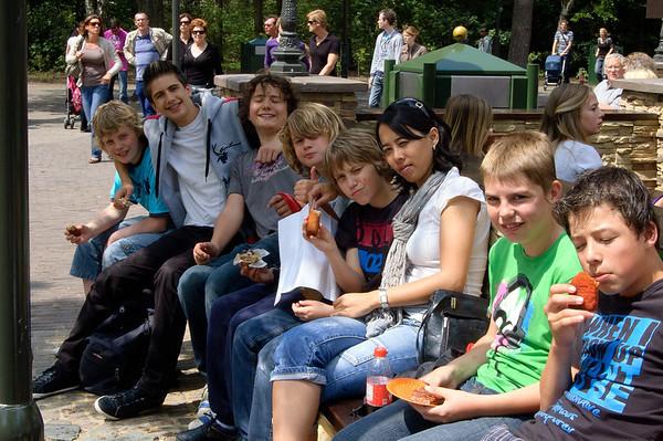 12.06.2010 - Jeugdkamp - Dag 2 - Groep Ap en Erika