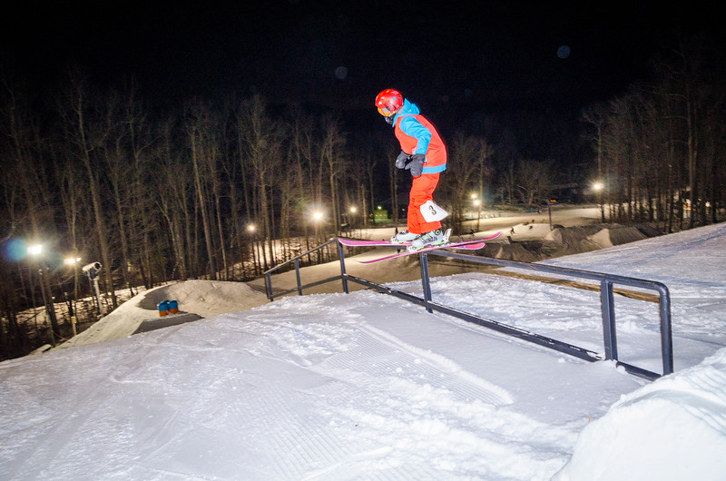 Nighttime-Rail-Jam_Snow-Trails-53.jpg