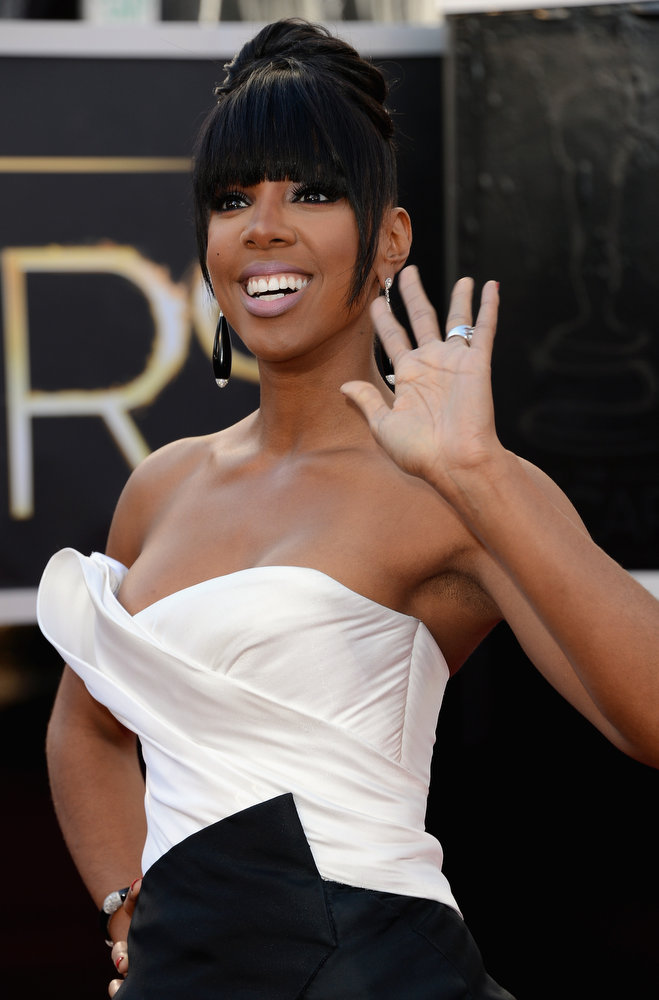 Description of . Singer Kelly Rowland attends the Oscars at Hollywood & Highland Center on February 24, 2013 in Hollywood, California.  (Photo by Jason Merritt/Getty Images)