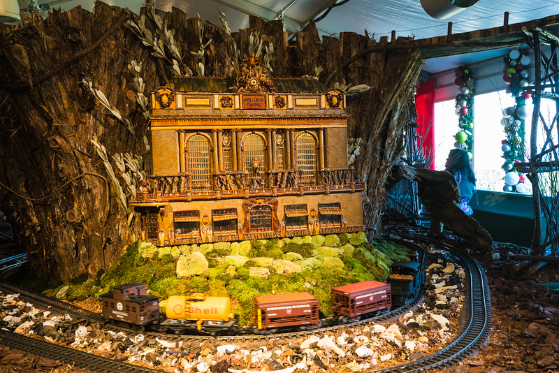2018 nybg holiday train show-10.jpg