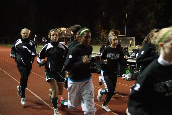 2009-11-03 IHS Girls Soccer vs Skyline - KingCo Championship