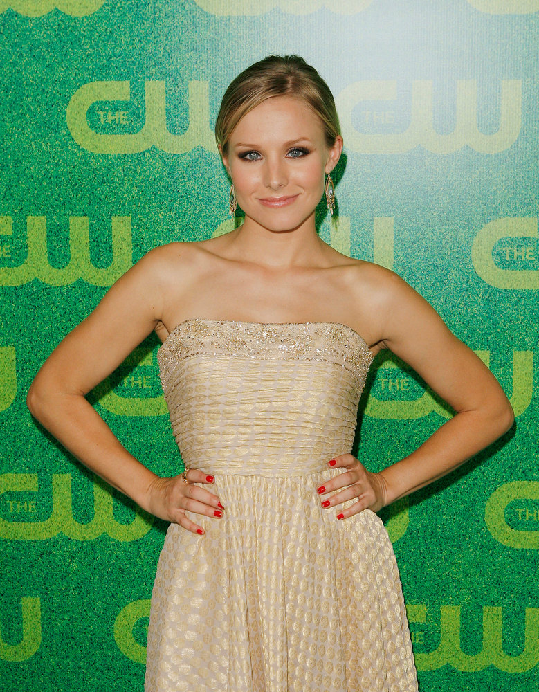 ". Actress Kristen Bell of the show ""Veronica Mars\"" arrives for the CW network party in Pasadena, Calif., Monday July 17, 2006. (AP Photo/Lucas Jackson)"