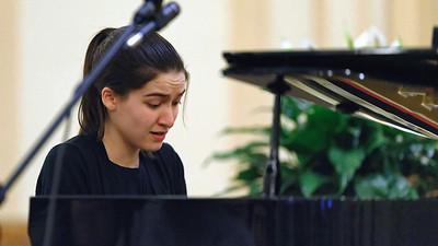 Leyla Kabuli,  pianist