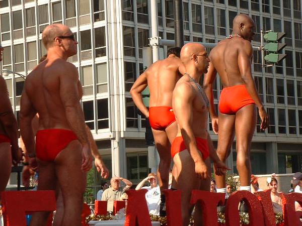 Pride Parade 2001-74.jpg