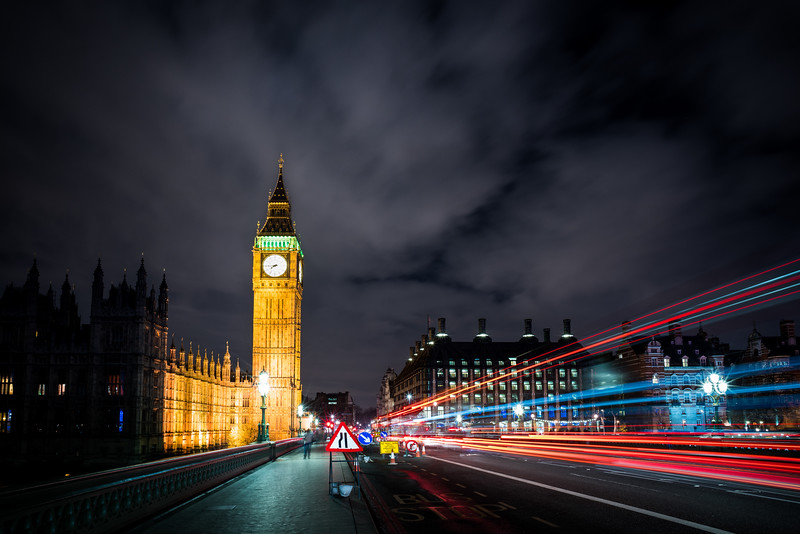 Westminster passing lights dark.jpg