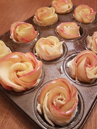 2017-02-16 Apple Roses