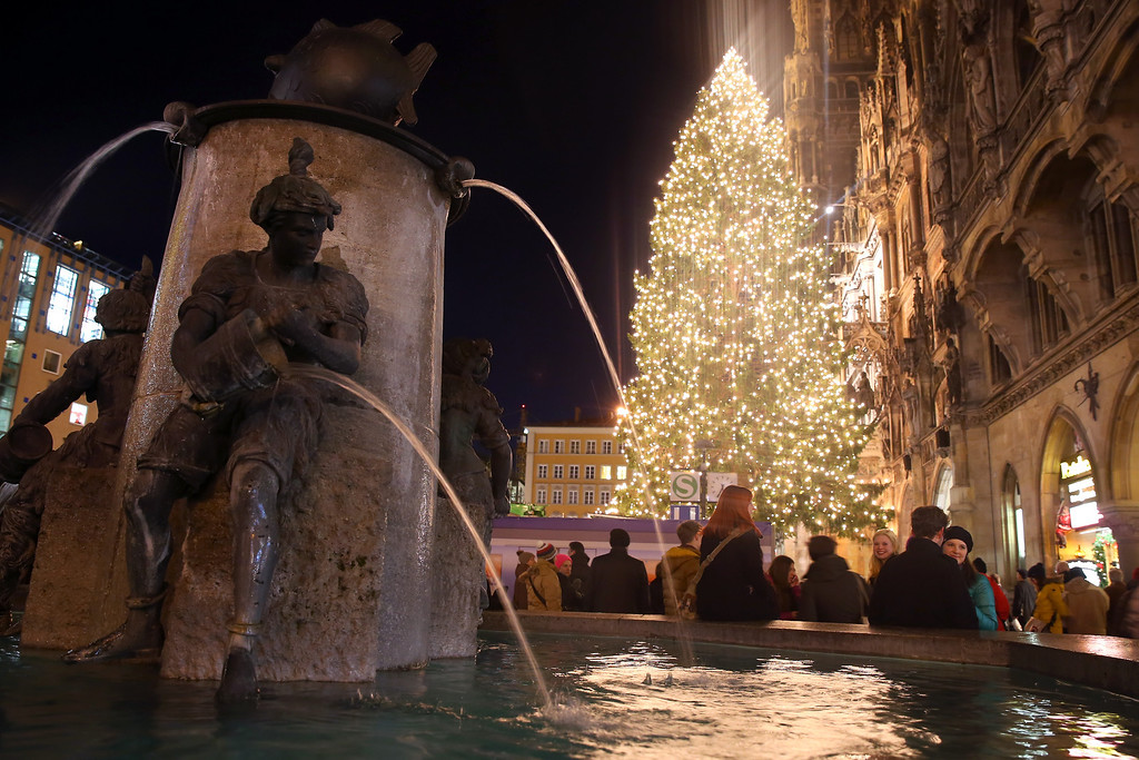 . General view of the Fish fountain at Marienplatz and the Town Hall on its opening day of the annual Christmas market on November 25, 0213 in Munich, Germany.  (Photo by Alexander Hassenstein/Getty Images)