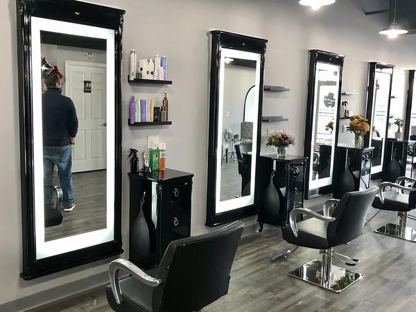 Salon Chairs & Mirrors