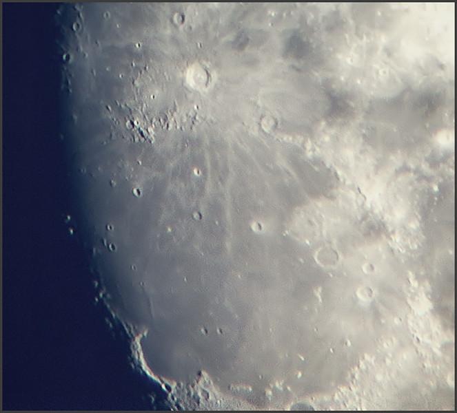 moon01082009_stacked2.jpg