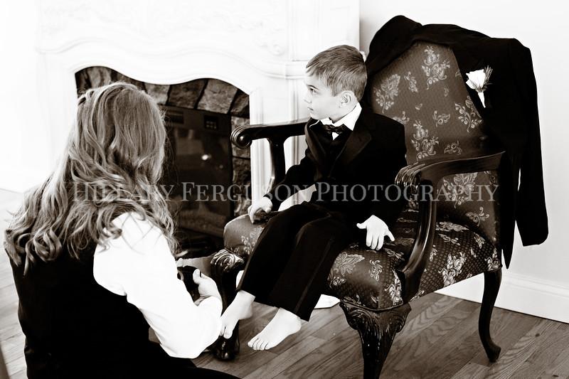 Hillary_Ferguson_Photography_Melinda+Derek_Getting_Ready348.jpg