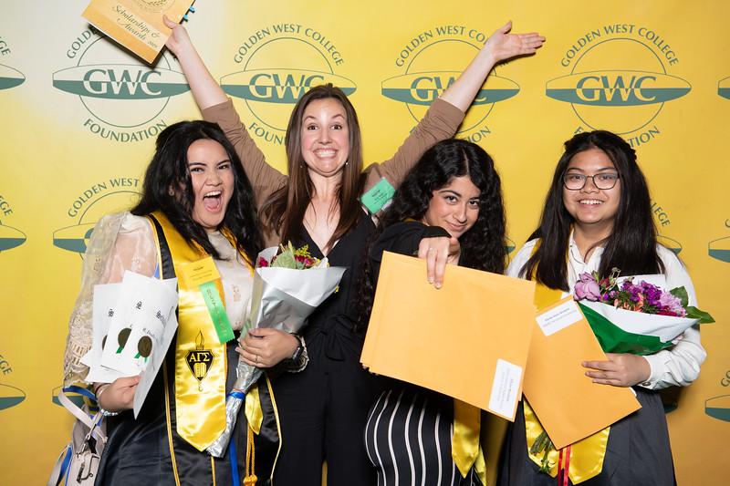 Scholarships-Awards-2019-0706.jpg