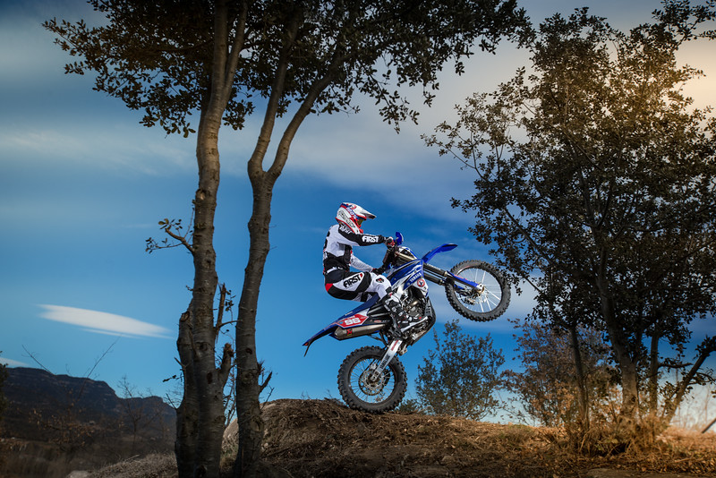 2016_Enduro2_Outsiders_Official_WR450F_Guerrero_Action 8.jpg