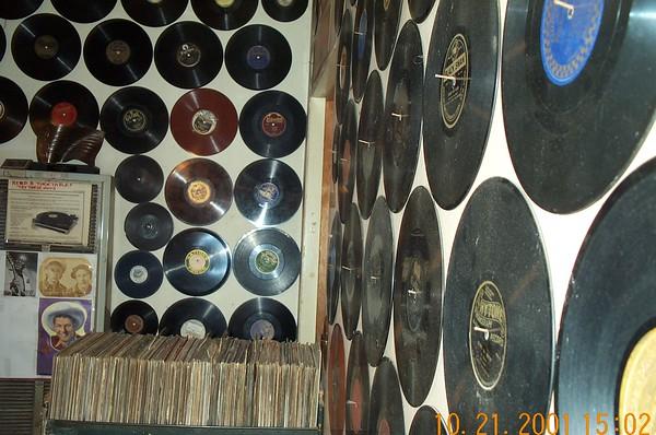 2001-10-21 Folk Arts Rare Records