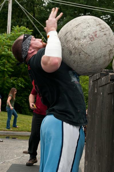 Fitness Revolution Strongman Challenge 2011_ERF4583.jpg